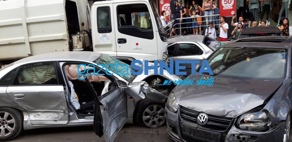 QKUK: Tre persona të lënduar në aksidentin në Prishtinë po trajtohen në Emergjencë