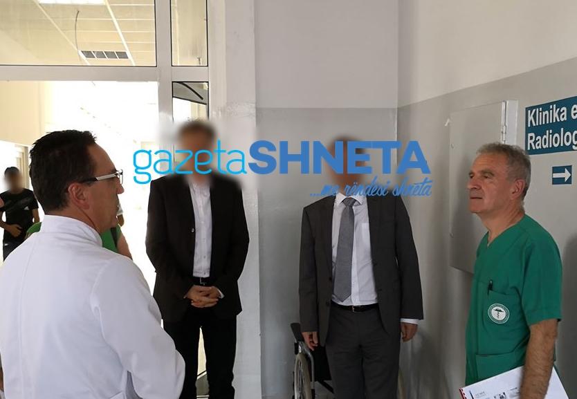 Drejtorët e klinikave të QKUK-së që diplomuan në maj të 98-ës në UP dhe Nish të Serbisë