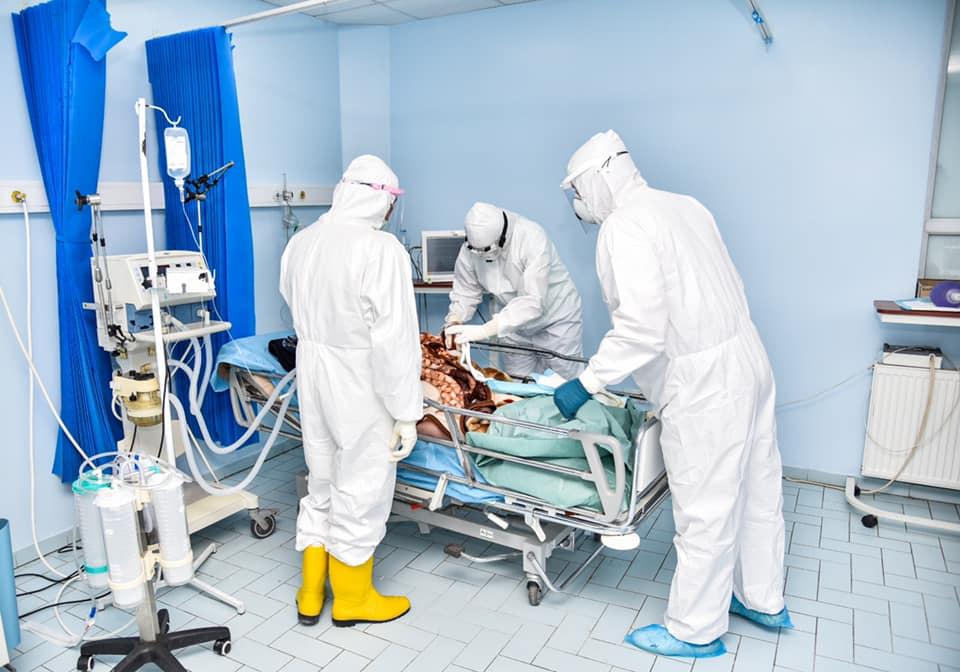 Në QKUK po trajtohen 301 pacientë me COVID-19, 29 prej tyre në gjendje të rënduar