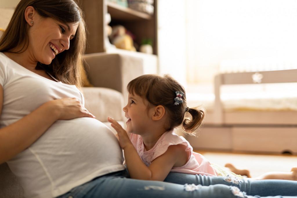 Simptomat e para dhe ndryshimet që mund t'i përjetoni gjatë shtatzënisë së dytë